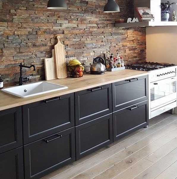 Moderna y rústica cocina