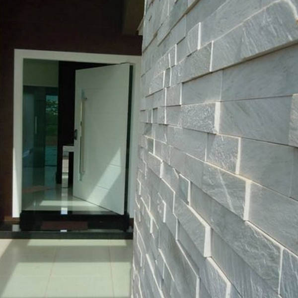 Lingotes cuarzo blanco en muro interior