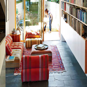 piso interior rustico revestido con piedra natural