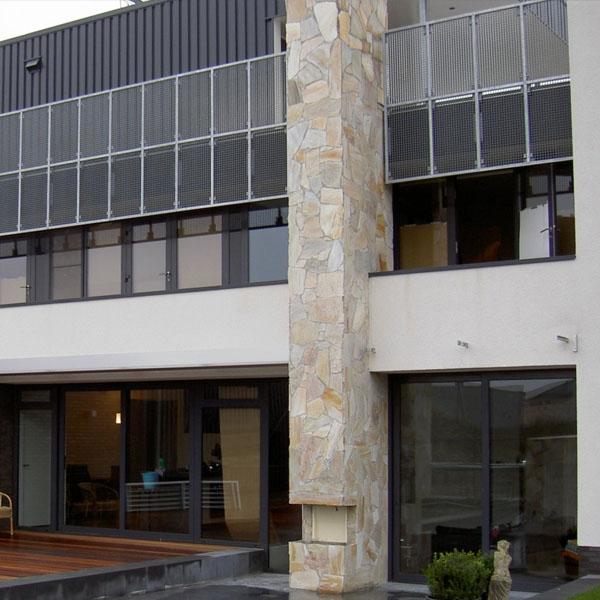 piedra laja en muros de edificio