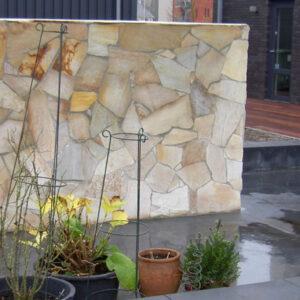 revestimiento exterior en piedra laja en muros