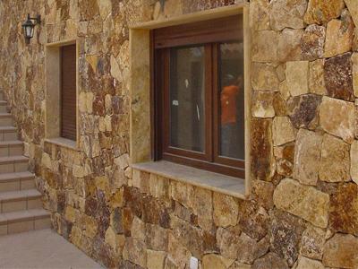 pared enchapada con piedra laja